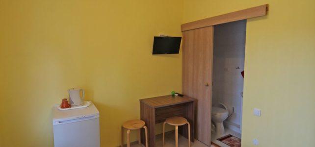 Двухместный номер с холодильником на втором этаже
